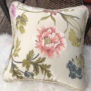 Croscil pillow
